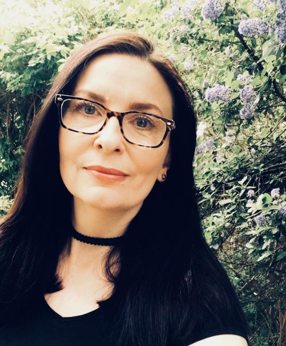 NEW Samantha Hayes author photo