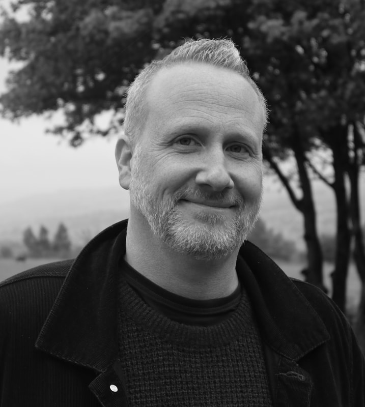 Russ Thomas Author Pic