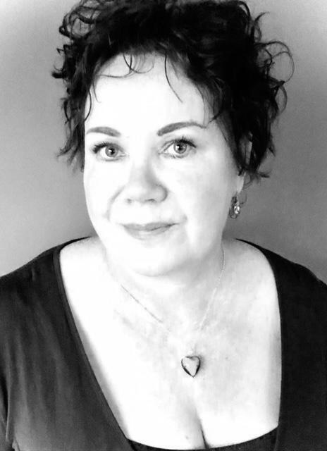 Rebecca Kelly Author Photo
